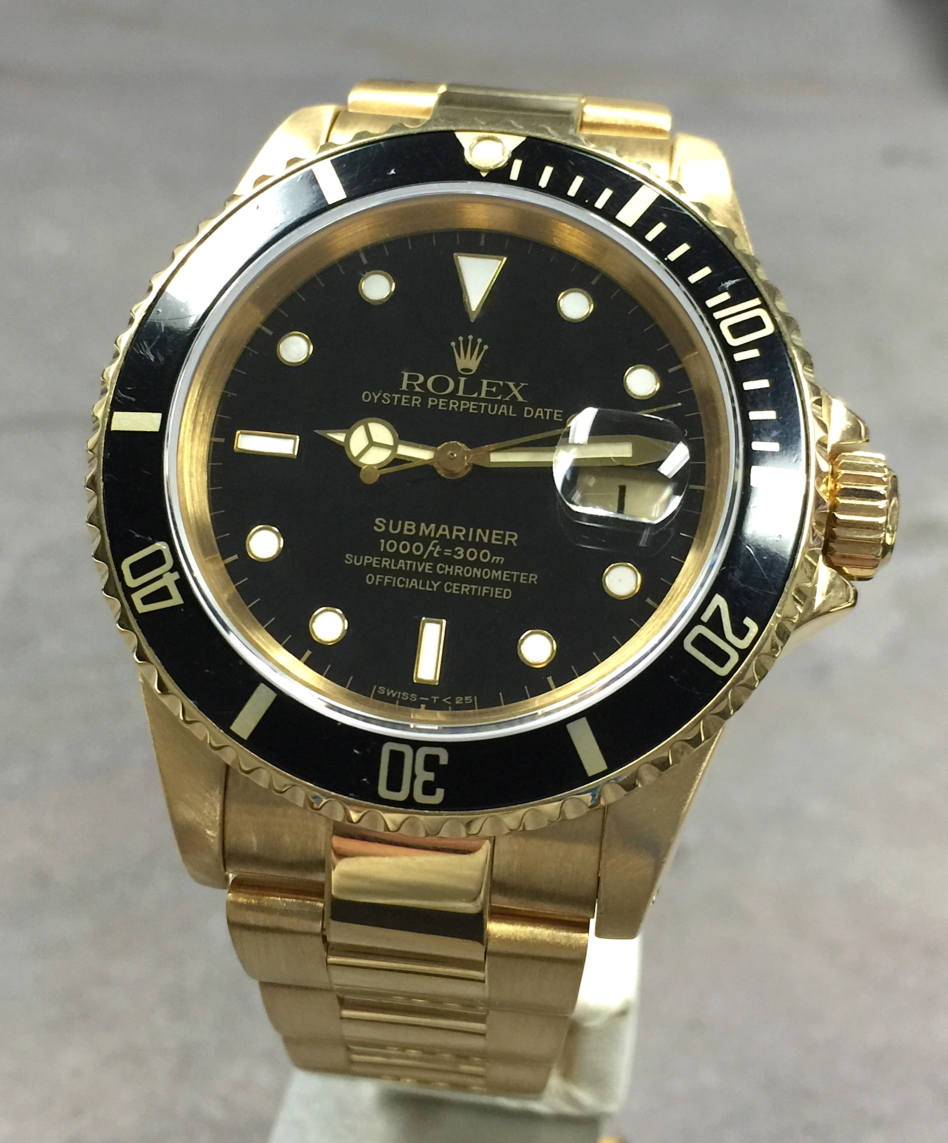 Rolex Submariner Date 18K Yellow Gold Black Index Dial ...