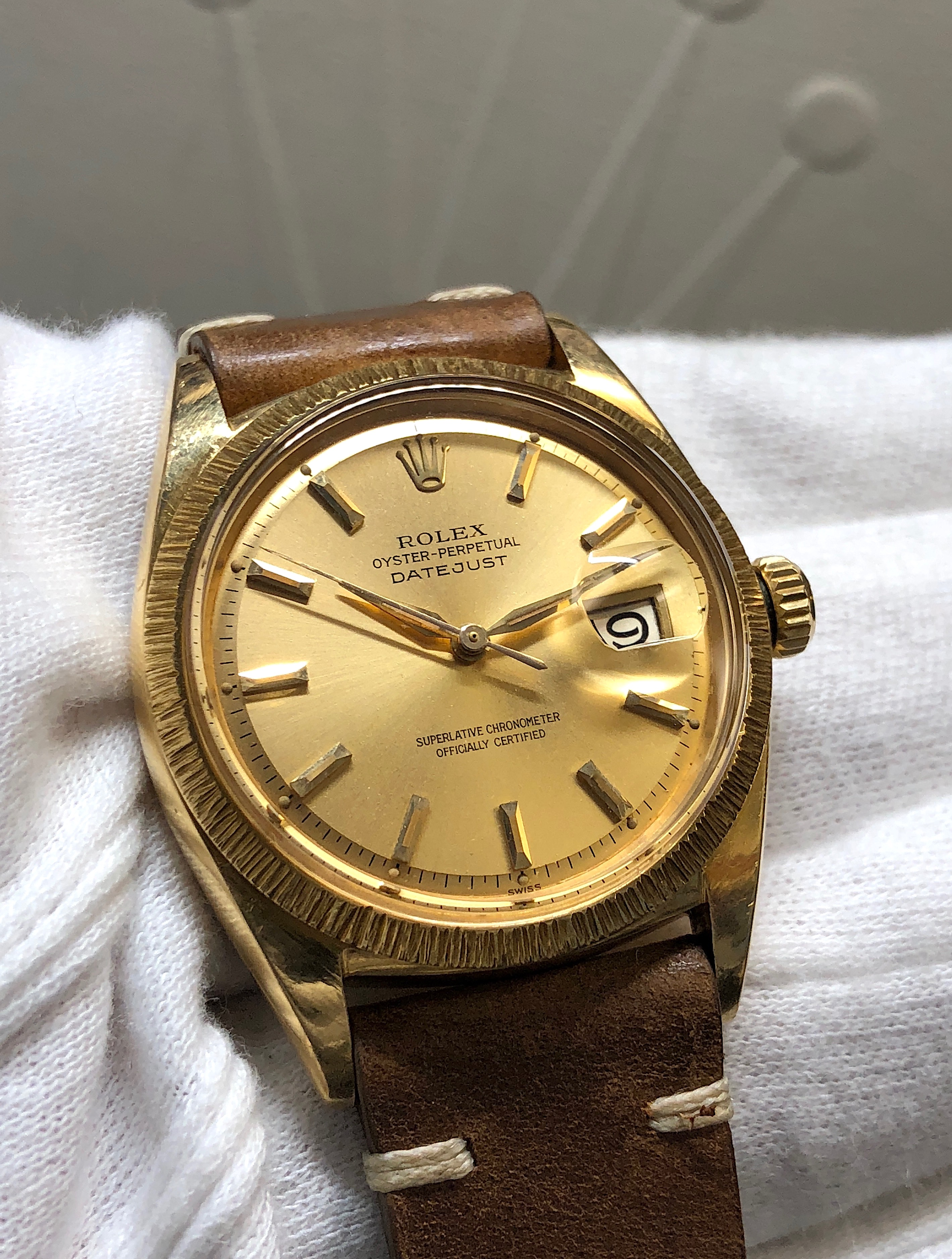 Vintage Rolex Datejust 1607 18K Yellow Gold Champagne Dial Dauphine